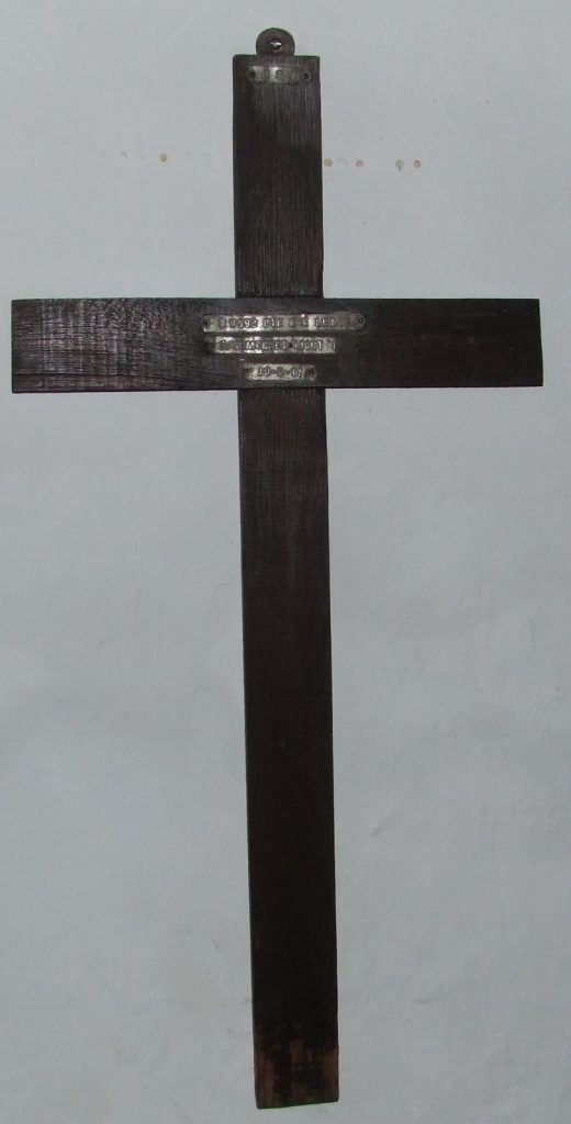 great-torrington-devon-st-michael-and-all-angels-wwi-cross-c-e-leate