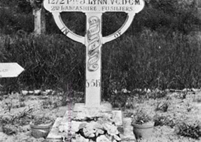 bury_grootebeek_lynn_vc_grave